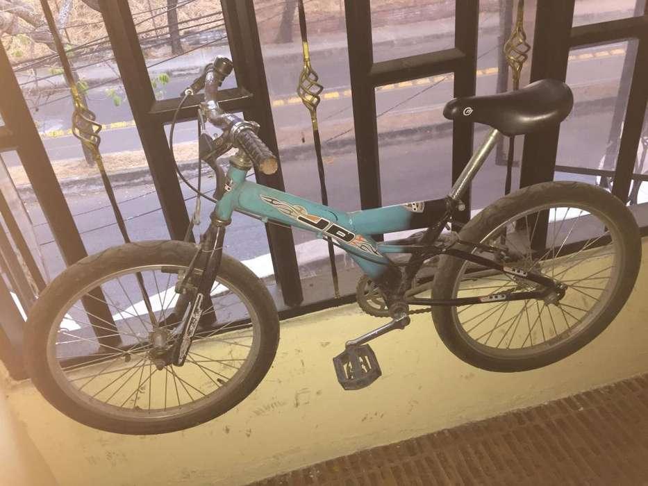 Vendo bicicleta para nio entre 3 y 7 aos