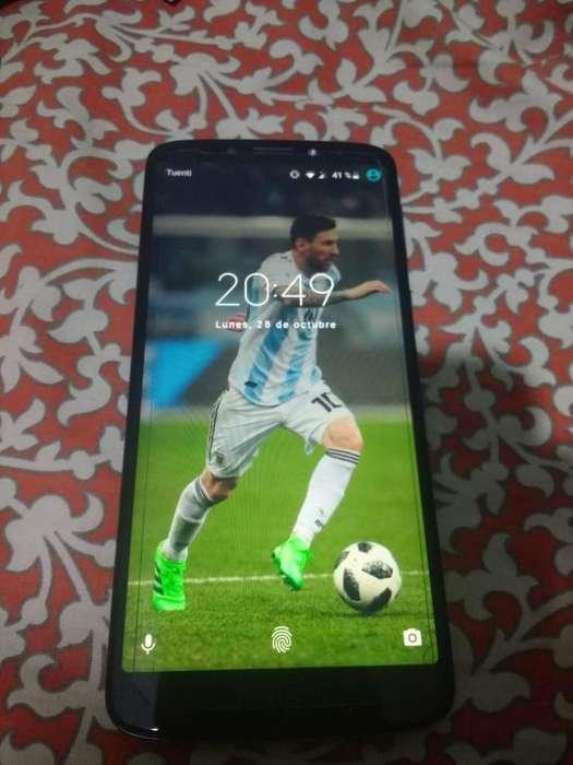 Celular Moto E5 Plus.