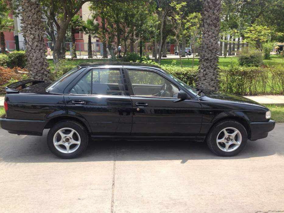 Nissan Sentra 1995 - 140000 km