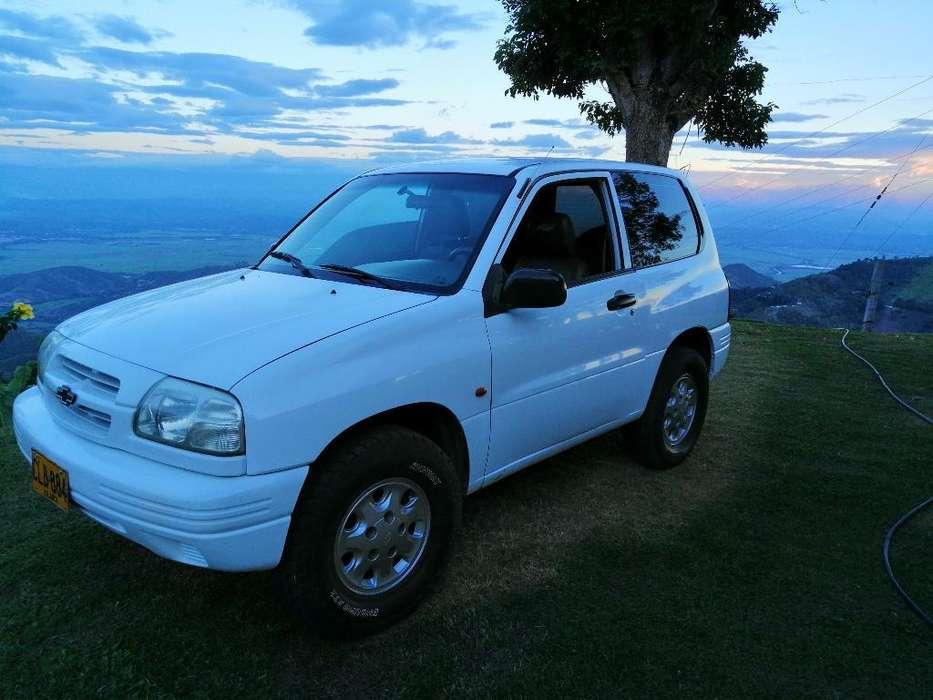 Chevrolet Grand Vitara 2001 - 200000 km