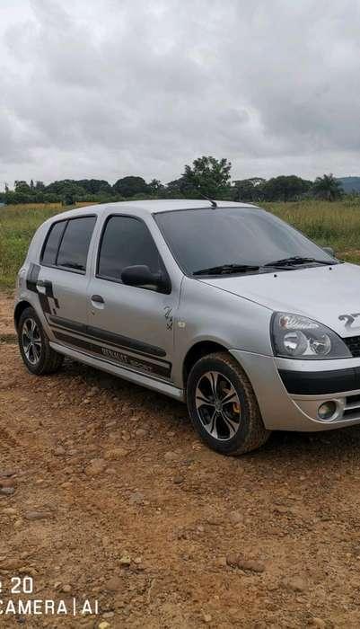 Renault Clio  2008 - 138000 km