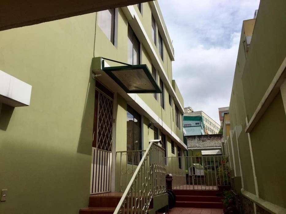 Venta Casa rentera, dos departamentos grandes, 1 suite, 1 sotano, Los Nevados, Kennedy