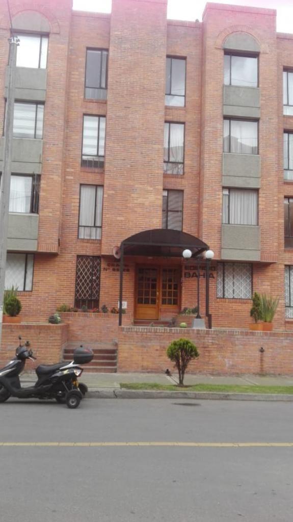 Apartamento En Venta En Bogota Pontevedra Cod. VBIMP-228