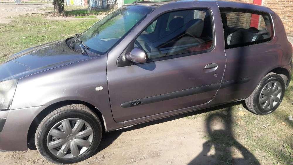 Renault Clio  2005 - 208000 km
