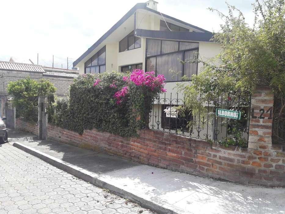 VENDO O CAMBIO HERMOSA Y AMPLIA CASA EN SANGOLQUI VALLE DE LOS CHILLOS