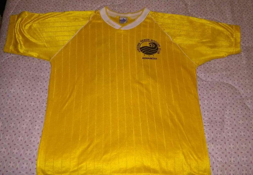 Rara Camiseta Puma Virgina Beach Soccer 1990 made in USA talle L