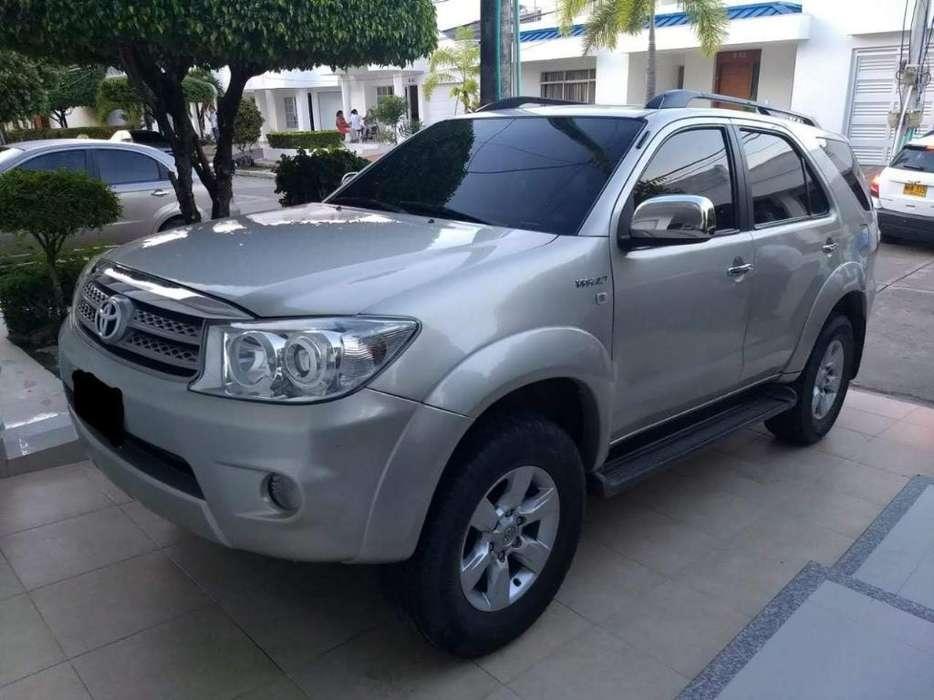 Toyota Fortuner 2010 - 84000 km