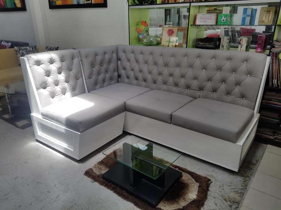 Mueble de cedro totalmente nuevo