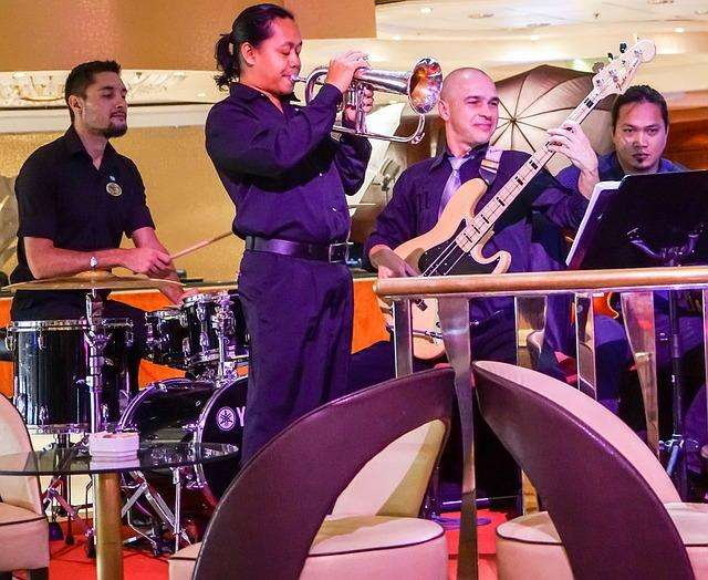 Músicos para eventos (Solista, Dúo, Trío, Parranda vallenata y Mariachis) ¡Llama ya!