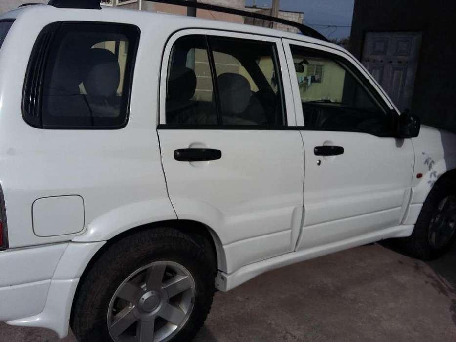 Chevrolet Grand Vitara 2004 - 220000 km