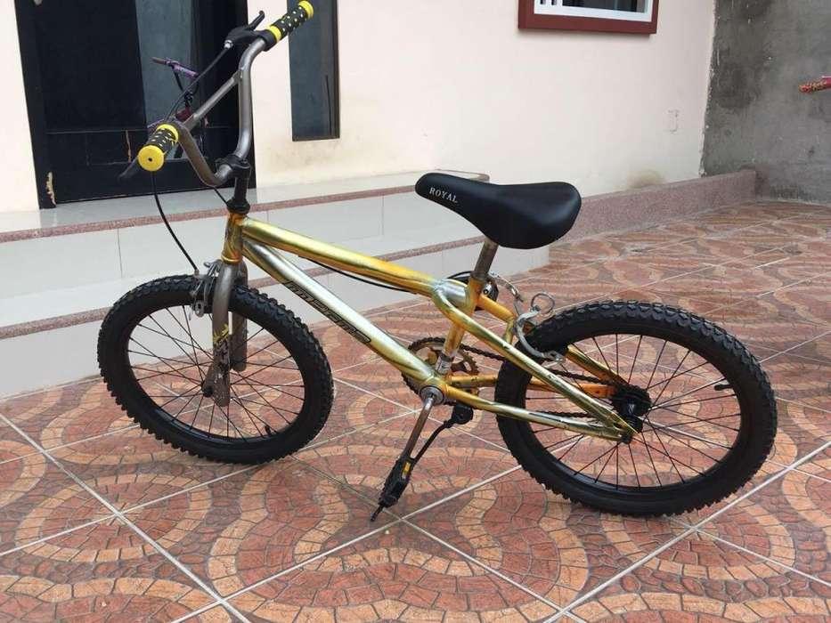 <strong>bicicleta</strong> de salto