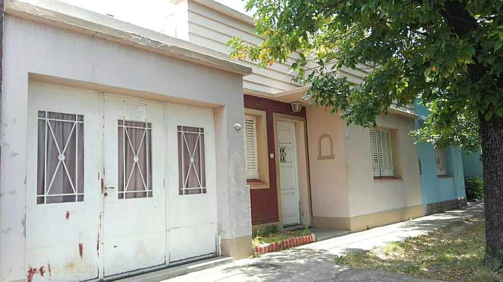 Vendo Casa 2 D Amp. Lote Barrio Pacifico