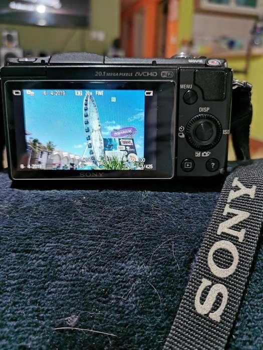 Cámara Sony Alpha 5000