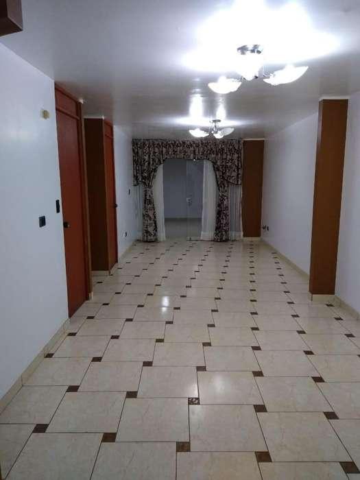 Alquilo casa Urb Jardines de San Andrs cel 930226923