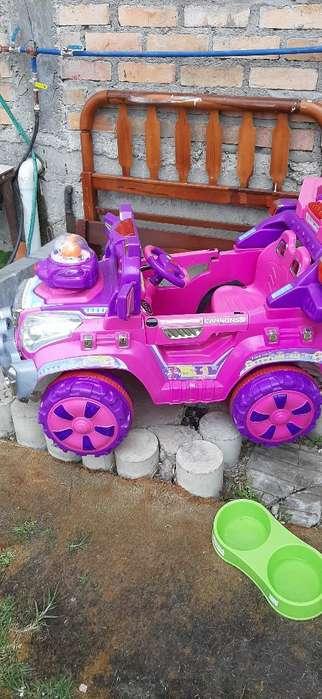 Carro de Niña a Bateria