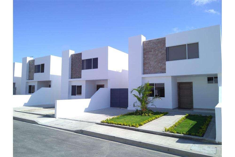 Casas por estrenar de venta dentro de urb manta zona sur