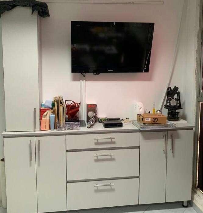 Mueble de oficina con gabinete