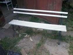 Vendo Banco de madera y hierro fundicion