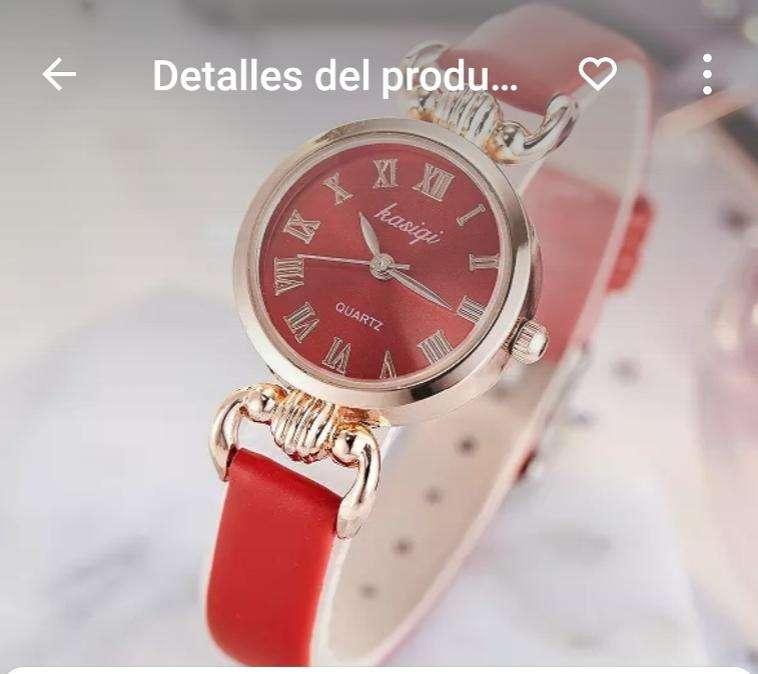 Sintete ms atractiva luciendo nuestros relojes