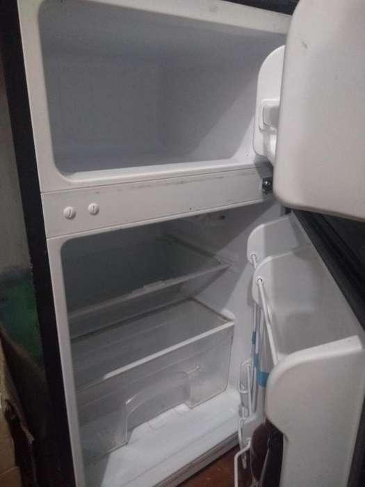 Mini <strong>refrigerador</strong>