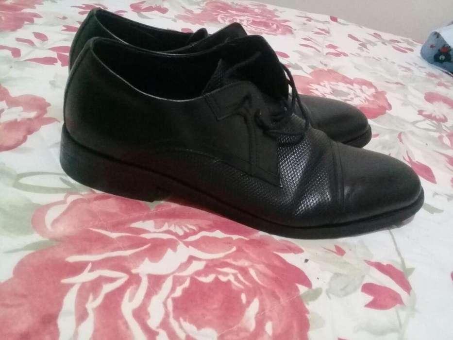 Zapatos Clasicos en Buen Estado Talla 40