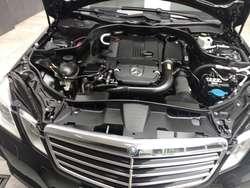 REMATO Mercedes Benz E200 2011 IMPECABLE