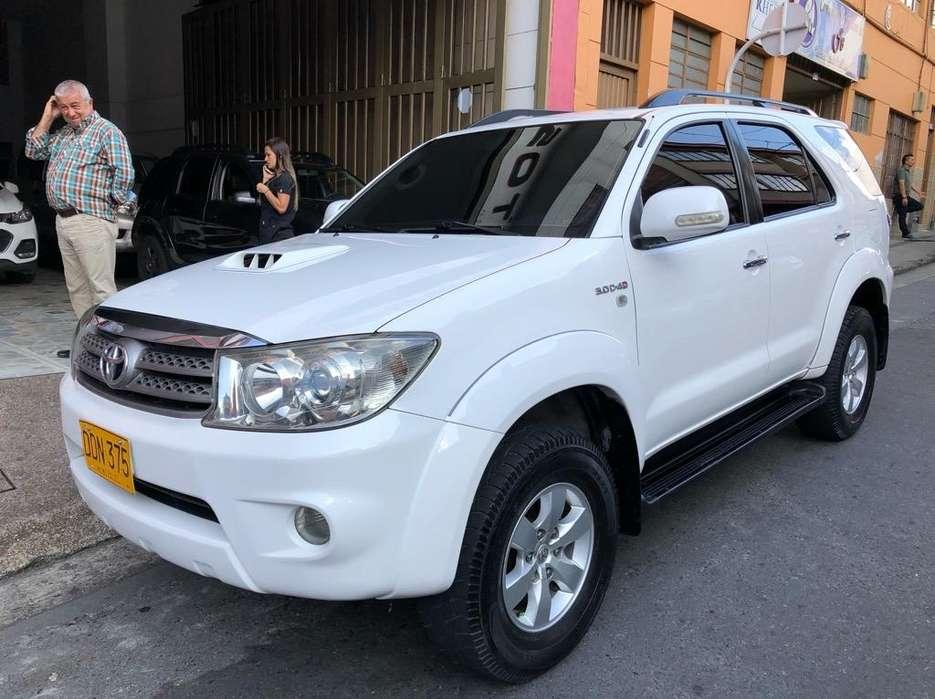 Toyota Fortuner 2009 - 135000 km