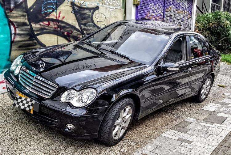 <strong>mercedes</strong>-Benz Clase C 2006 - 150000 km