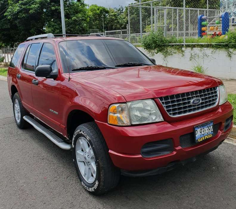 Ford Explorer 2005 - 120000 km
