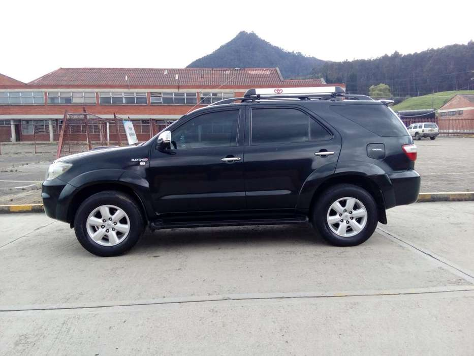 <strong>toyota</strong> Fortuner 2009 - 159000 km