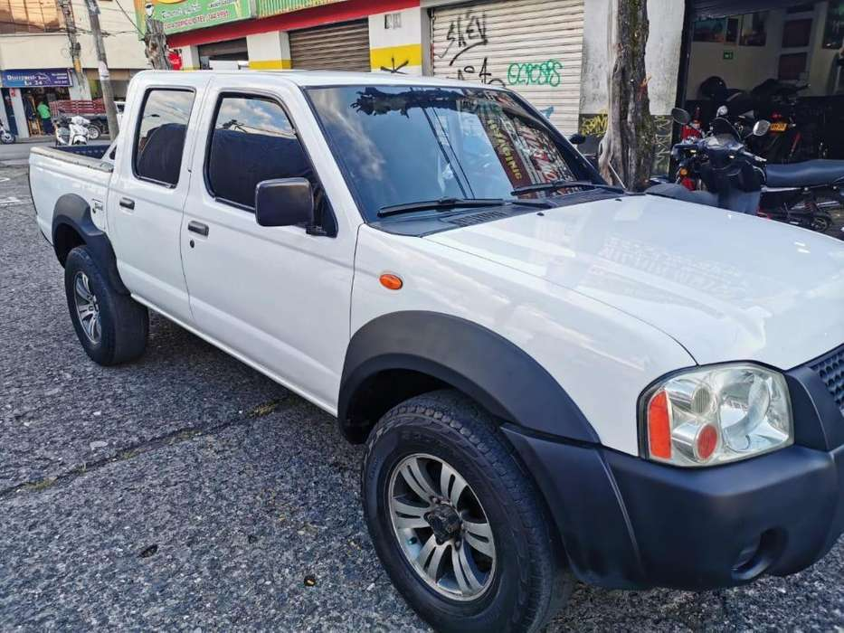 Nissan Frontier 2010 - 170000 km