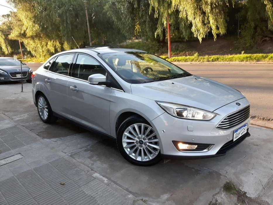 Ford Focus 2017 - 19000 km
