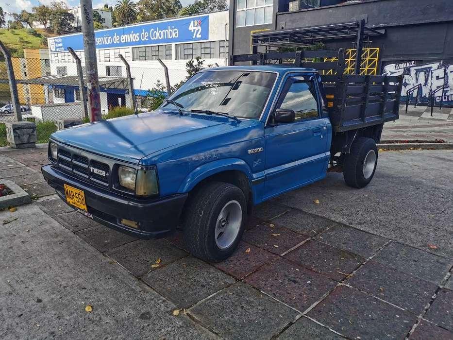 Mazda B-2200 1996 - 240000 km