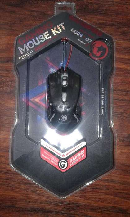 Mouse Gamer con Pad Mouse