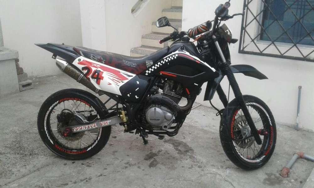 Moto Shyneray 200 en Veta