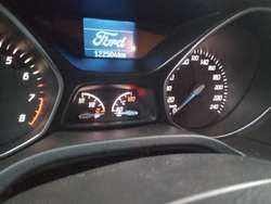 Ford Focus 1.6 S Año 2014 $ 350