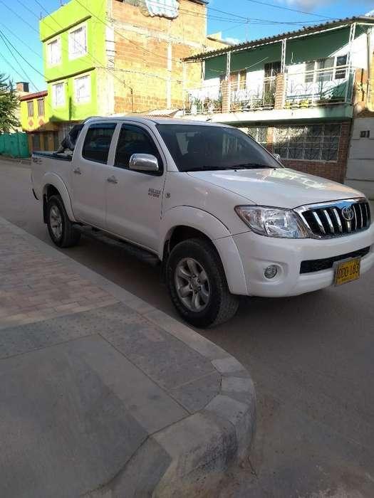 Toyota Hilux 2009 - 120000 km
