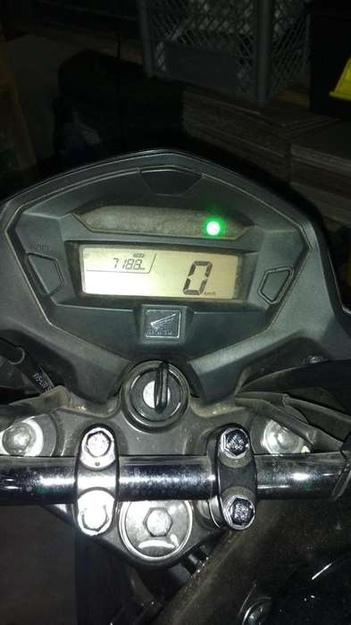 vendo unica CG 150- SOLO 700 KM