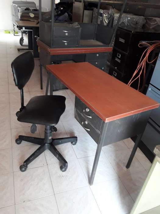 Vendo <strong>escritorio</strong> Modular con Silla Valor