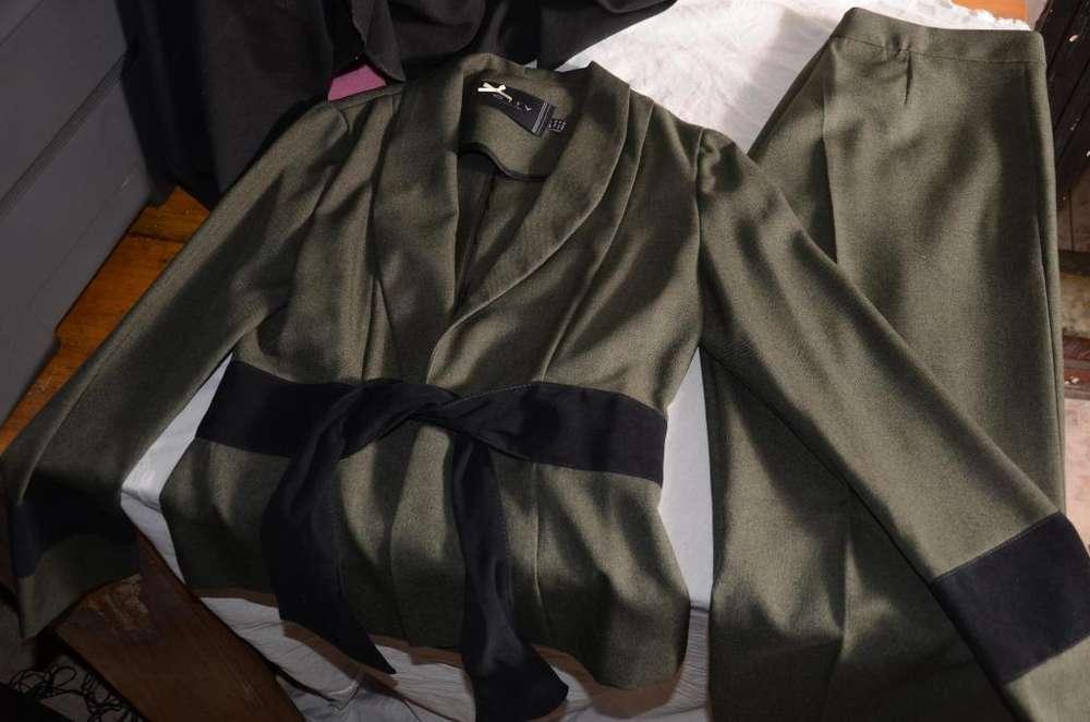 <strong>traje</strong> DE VESTIR De Mujer Saco Y Pantalon Jenniffer Talle 2