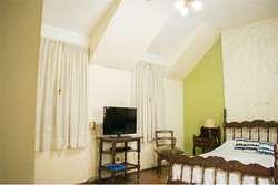 Casa de 3 dormitorios, patio y cochera