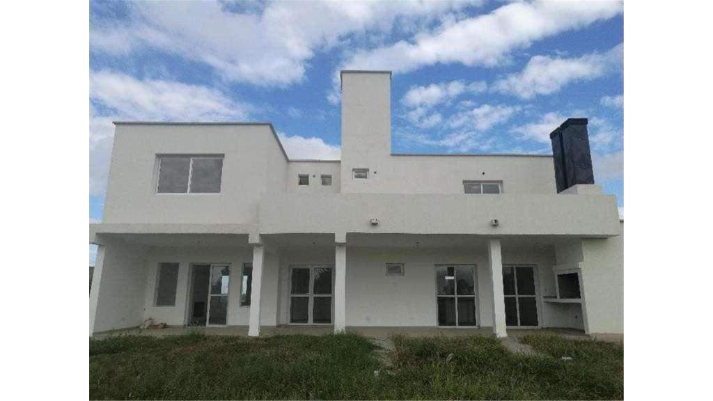 Cañada De Gomez Lote / N 0 - UD 360.000 - Casa en Venta