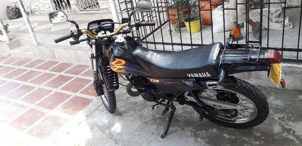 Se Vende Moto Dt 125 No Debe Nada