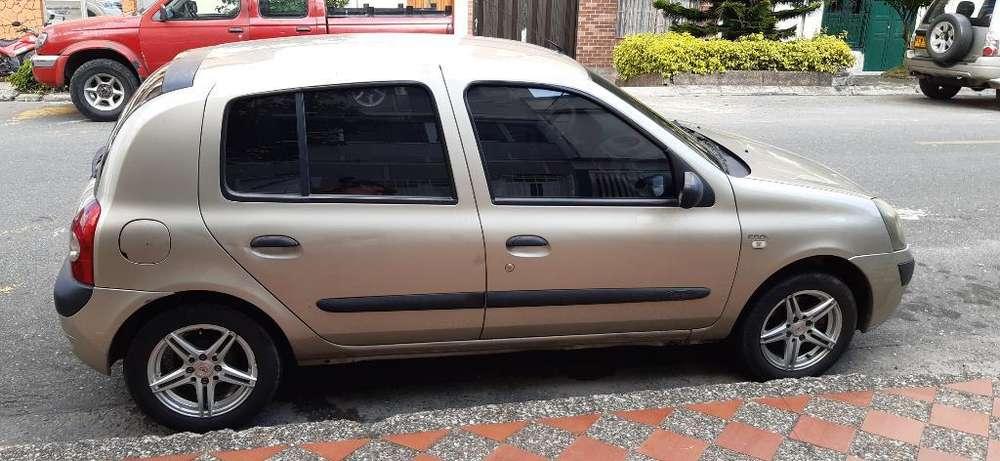 Renault Clio  2007 - 145000 km