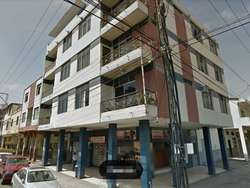 Vendo Edificio rentero Calle Cuenca y Gral. Villavicencio esquina