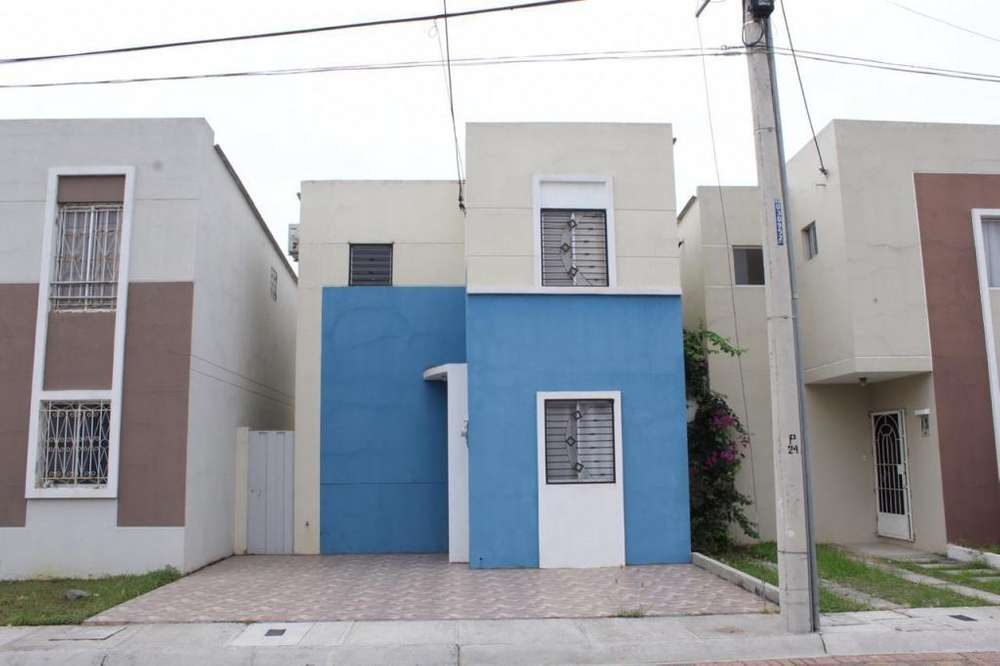 Venta de casa en Urbanización Arboletta, Vía a Salitre, cerca C.C. Dorado