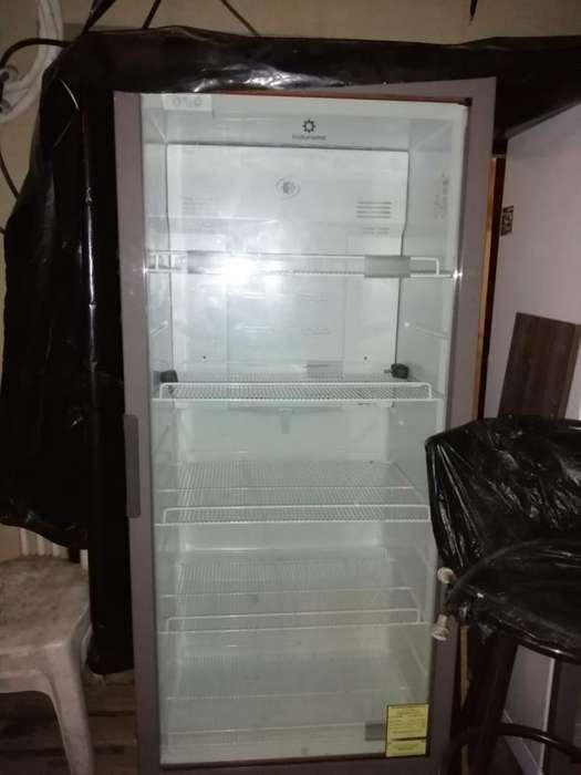 Refrigeradora Panorámica Indurama