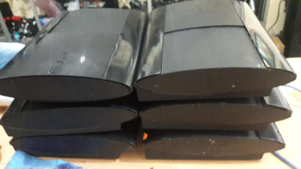 Ps3 Super Slim y slim sin cables sin palaca