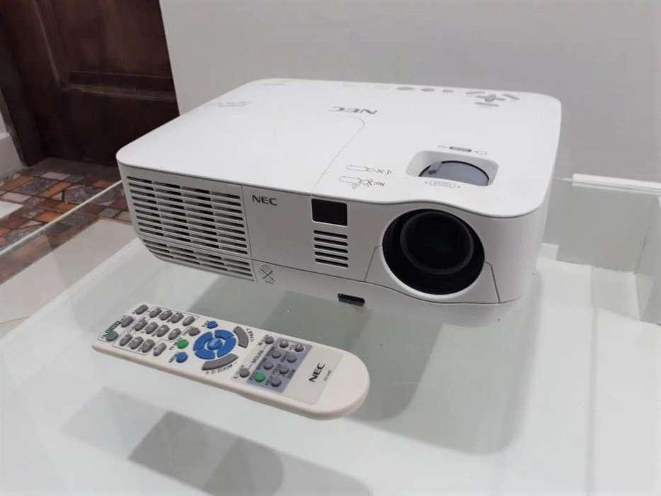 PROYECTOR DE VIDEO NEC CON HDMI
