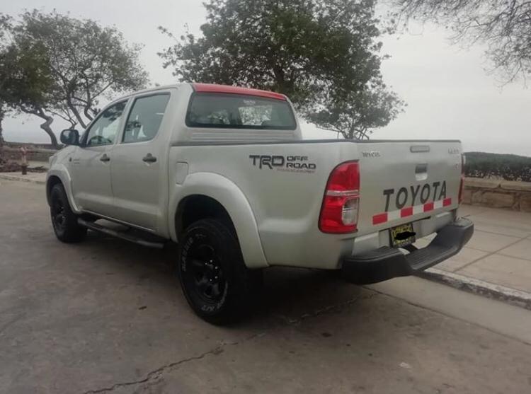 Toyota hilux sr ao 2014